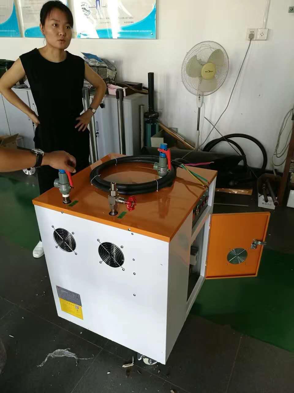 过热一体蒸汽发生器